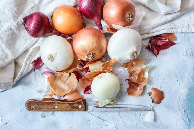 Czyszczenie świeżej cebuli