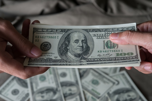 Daj pieniądze dolar amerykański (usd)