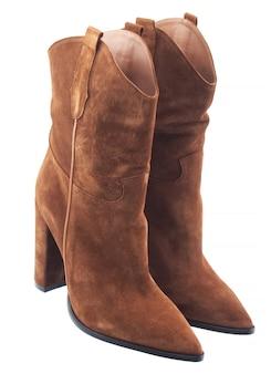 Damskie skórzane buty niskie na białym tle