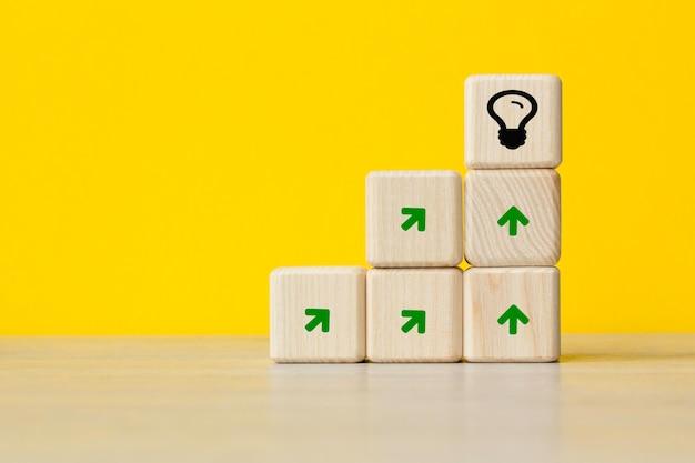 Dążenie do celu. pomysł, innowacja. pojęcie przywództwa. . pojęcie światowego biznesu, marketingu, finansów.