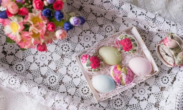 Decoupage na jajkach w stylu kwiatowym