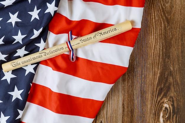 Deklaracja niepodległości 4 lipca dokument z rolki pergaminu