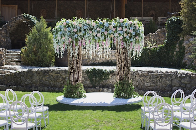 Dekoracja ceremonii ślubnej