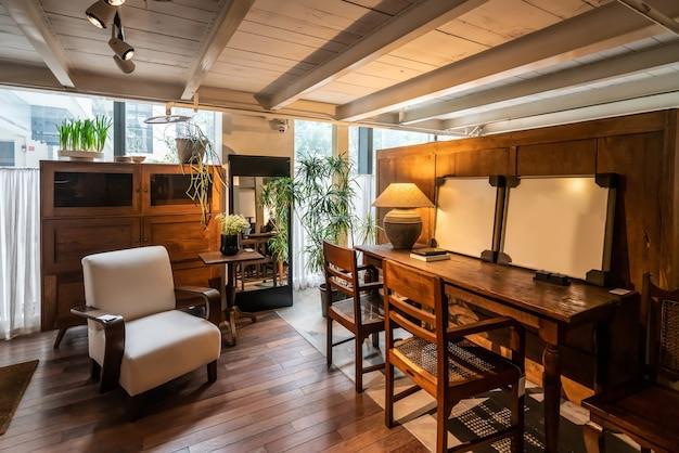 Dekoracja domu, meble drewniane