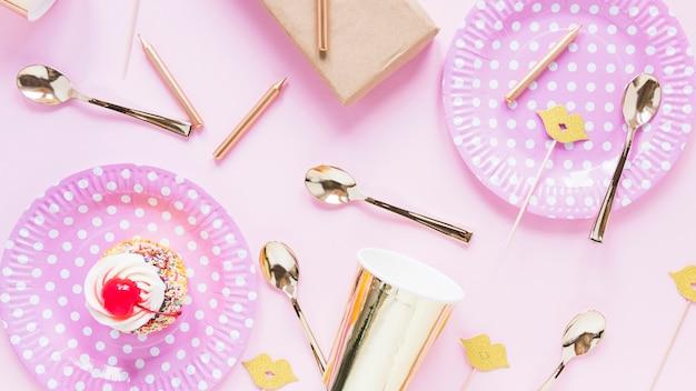 Dekoracje ciastko i urodziny