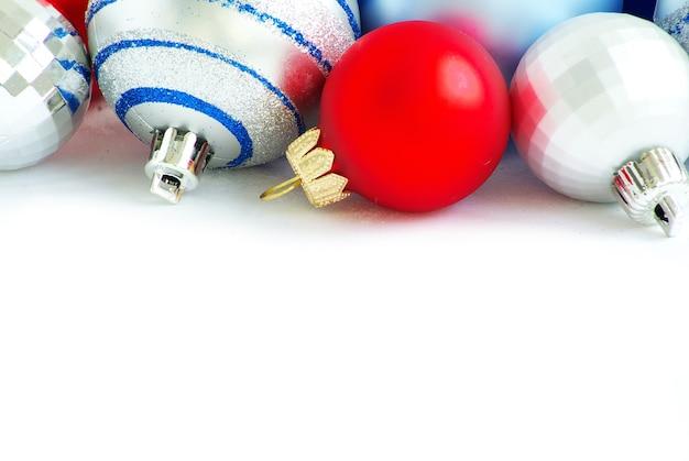 Dekorację świąteczną samodzielnie na białym tle
