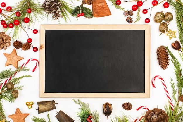 Dekorację świąteczną z pustą tablicą