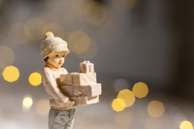 Dekoracyjne figurki bożonarodzeniowe.
