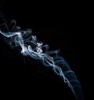 Delikatny niebieski dym