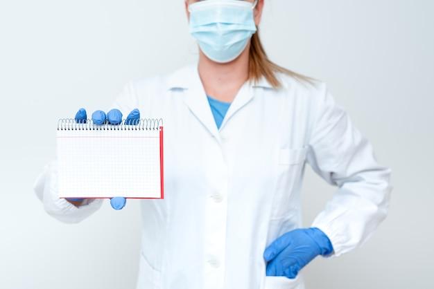 Demonstracja pomysłów medycznych prezentacja nowych odkryć naukowych prezentacje laboratoryjne dyskusje naukowe noszenie zawodu odzież robocza odzież ochronna