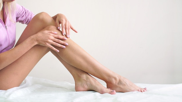Depilacja, gładka skóra, pielęgnacja skóry, centrum odnowy biologicznej, zdrowy styl życia.