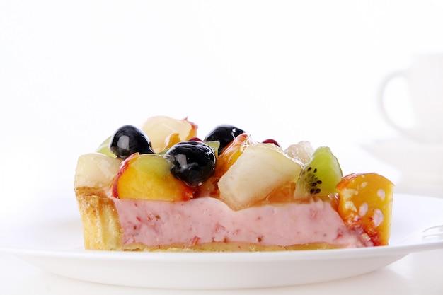 Deserowy tort z jagodami