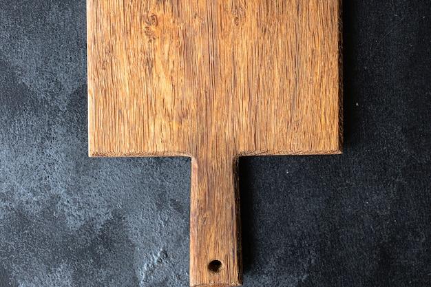Deska do krojenia lub serwująca naczynia kuchenne oryginalne z ręcznie robionego drewna rzemieślniczego