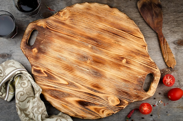 Deska do krojenia pizzy na podłoże drewniane
