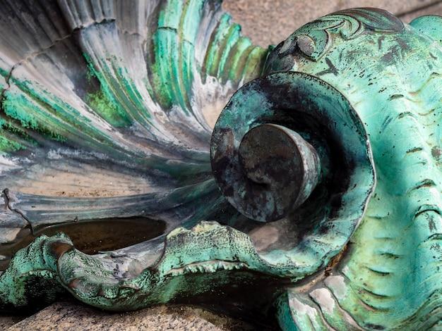 Detal z pomnika girondins na place des quincones bordeaux