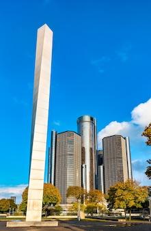Detroit, stany zjednoczone 2 listopada 2019: rzeźba pylon w hart plaza w centrum detroit