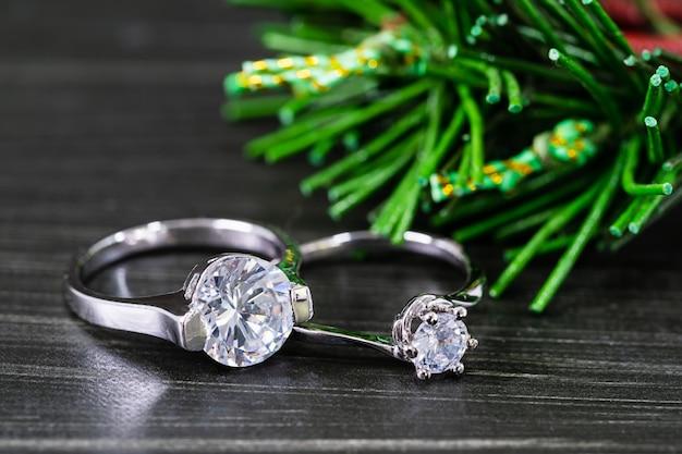 Diamentowe obrączki ślubne