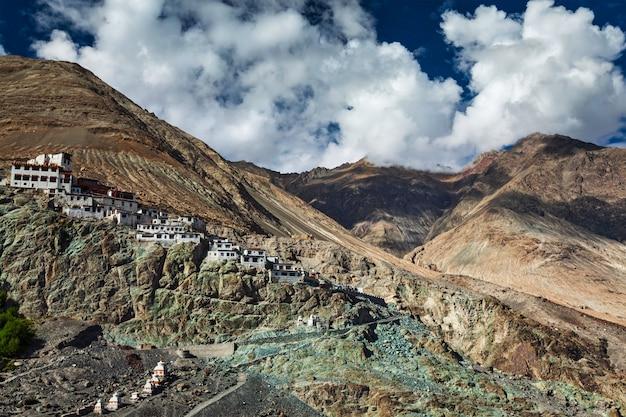 Diskit gompa, dolina nubra, ladakh, indie
