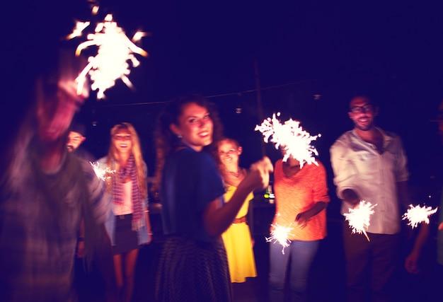 Diverse ethnic friendship party leisure szczęście concept