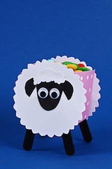 Diy eid al adha jagnięce owce ze słodkimi cukierkami
