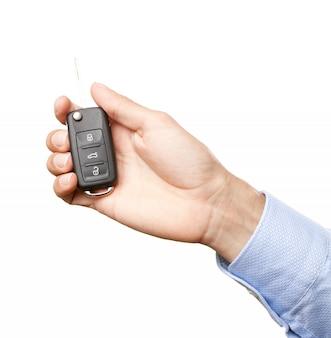 Dłoń trzymająca klucze do samochodu