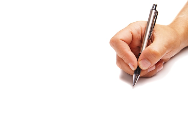 Dłoń trzymająca ołówek na białym tle