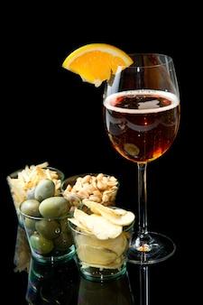 Długie napoje z pomarańczami i przystawkami