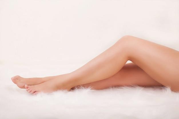 Długie nogi kobiety