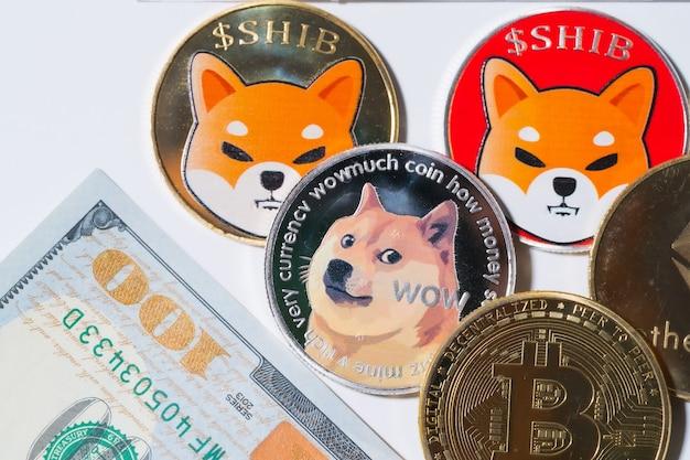 Dogecoin doge bitcoin ethereum eth shiba moneta w zestawie z monetą waluty crypto dolar amerykański pieniądze