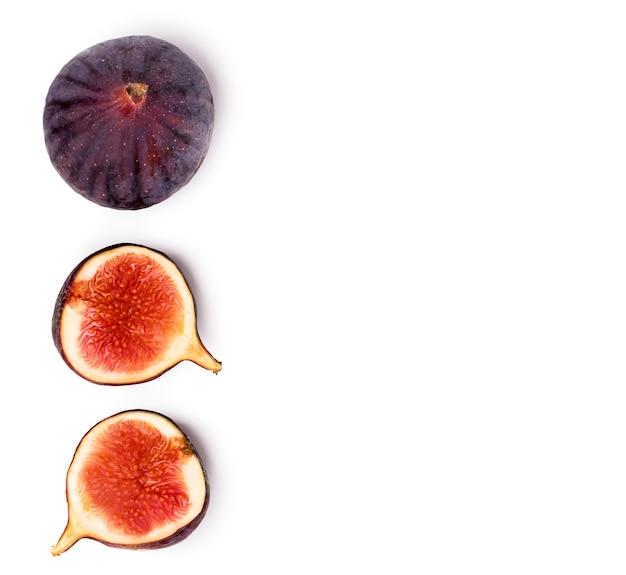 Dojrzałe figi na białym tle