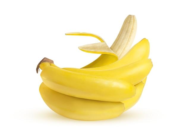 Dojrzałe żółte banany na białym tle