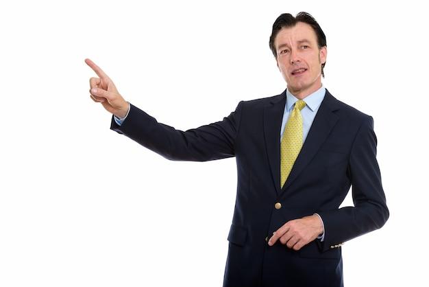 Dojrzały przystojny biznesmen palcem wskazującym