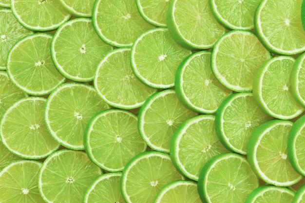 Dojrzały soczysty świeży wzór plasterki limonki