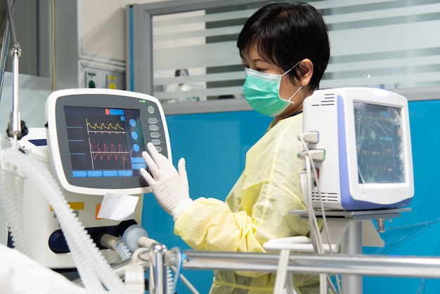 Doktorski dbanie o pacjent w szpitalu