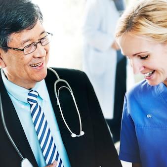 Doktorski drużynowy diagnozy operaci lekarstwa pojęcie