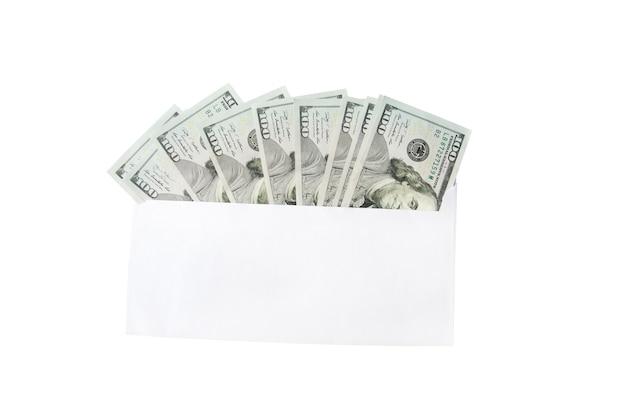 Dolarów w kopercie na białym tle
