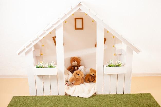 Dom dla dzieci do gier.