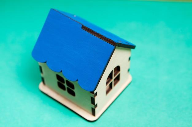 Dom na niebiesko