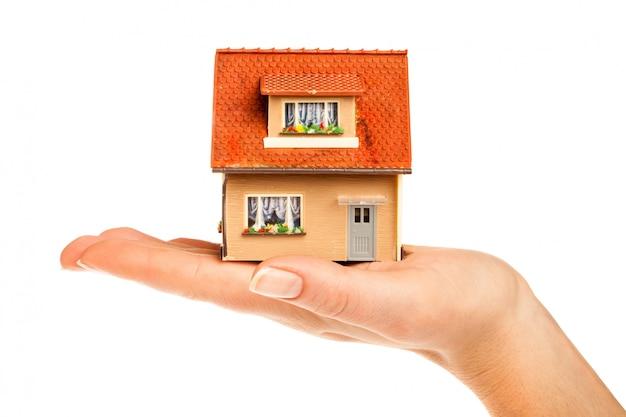 Dom w ludzkich rękach