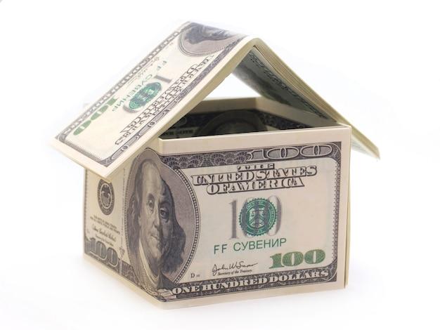 Dom z banknotów dolarowych