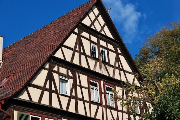 Dom z muru pruskiego (fachwerk) w maulbronn, niemcy