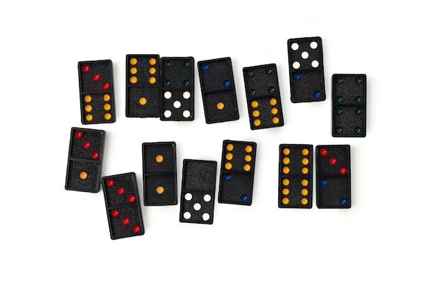 Domino z kolorem na białym tle