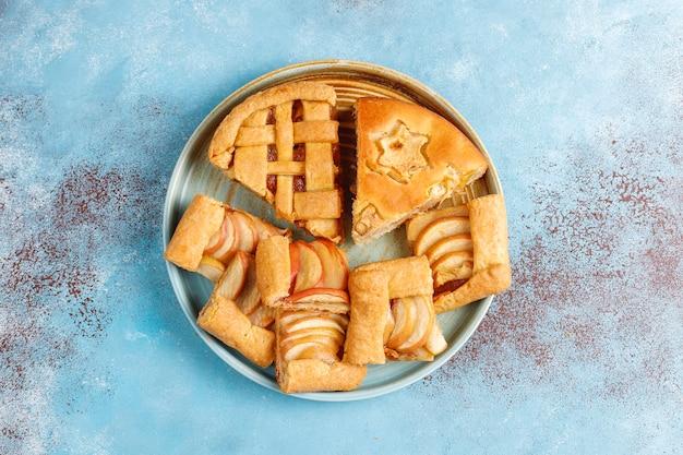 Domowa szarlotka, ciasto i galette.