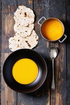 Domowa zupa z dyni
