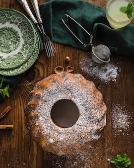 Domowe ciasto czekoladowe w płaskiej