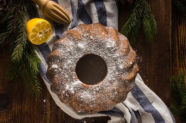 Domowe ciasto czekoladowe z cytryną