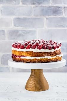 Domowe ciasto malinowe