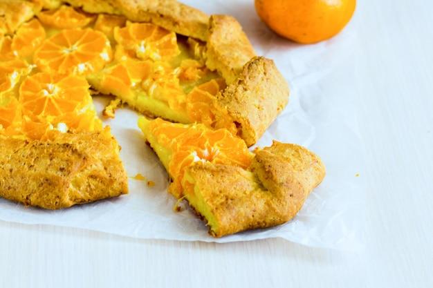 Domowe ciasto mandarynkowe. ciasto kruche z mandarynką