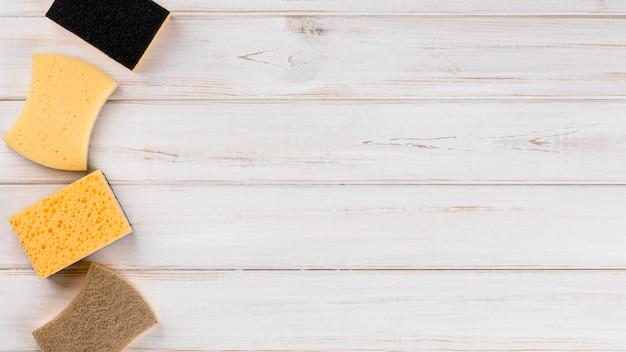 Domowe ekologiczne środki czyszczące kolekcja gąbek