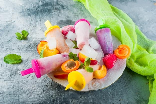 Domowe lody z sezonowych jagód